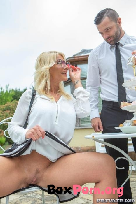 Tiffany Rousso, the MILF and the Waiter - Tiffany Rousso (09.07.2019 | FullHD | Private)