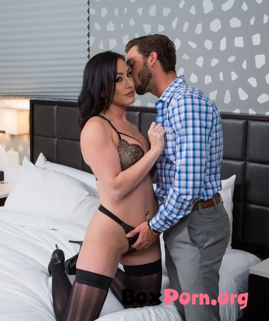 Jennifer White Shows First Timer A Good Time - Jennifer White (10.11.2019 | FullHD)